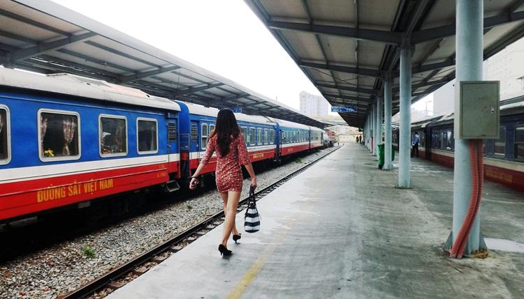 hoi an to Hue train