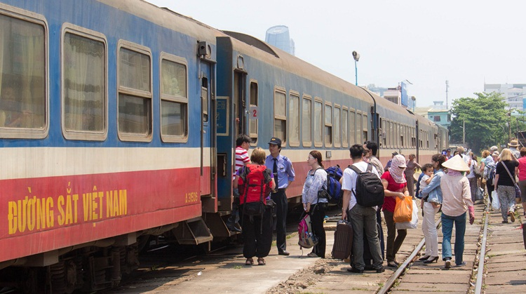 train from hue to hoi an