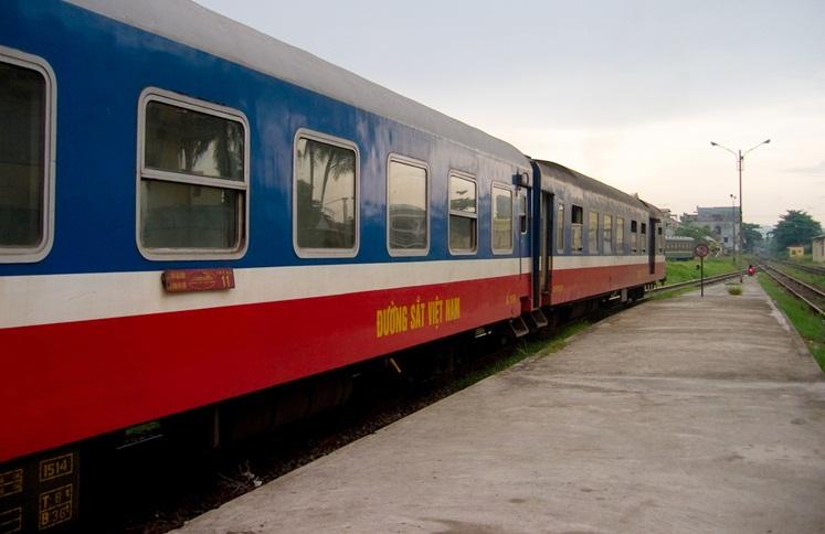 hue to hoi an train