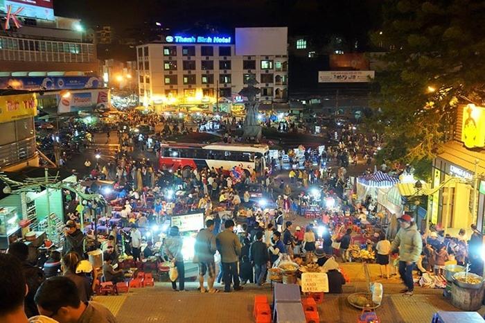 Nha Trang Night Food Market