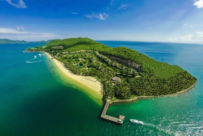 1. Traveling Around the Islands