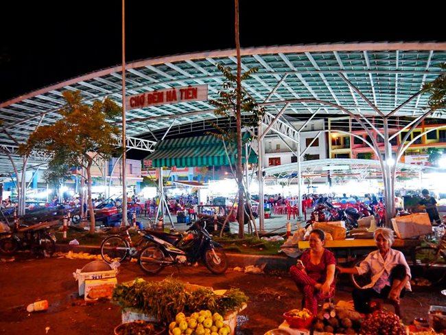 Ha Tien night market