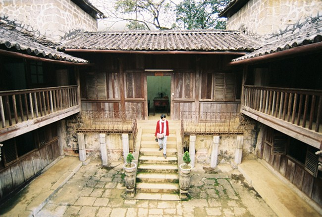 The House of Vuong family