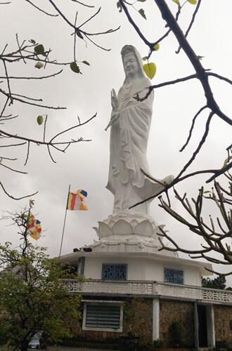 lady buddha in Hue