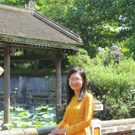 Tour Guide Ms Van Vietnamdrive