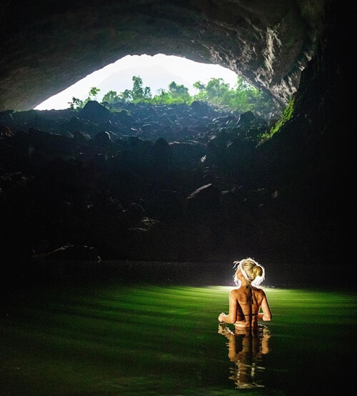 Teh largest cave in the world - hang son doong
