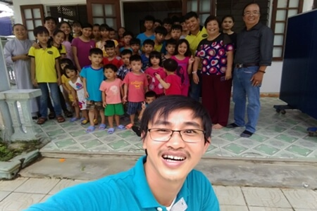 Vietnamdrive visited and donated money for children