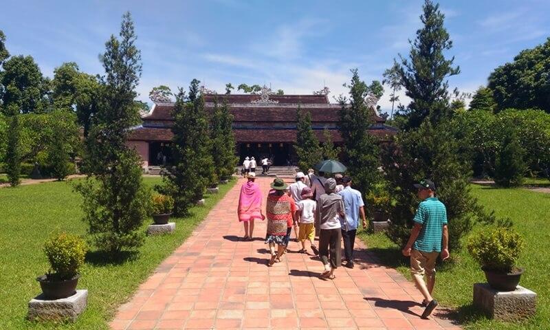 The main temple of Thien Mu Pagoda