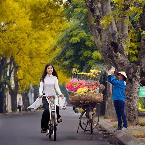 Autumn is the best time to travel to Hanoi Vietnam
