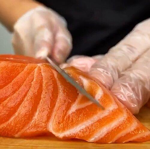 Vietnamese fish: Salmon