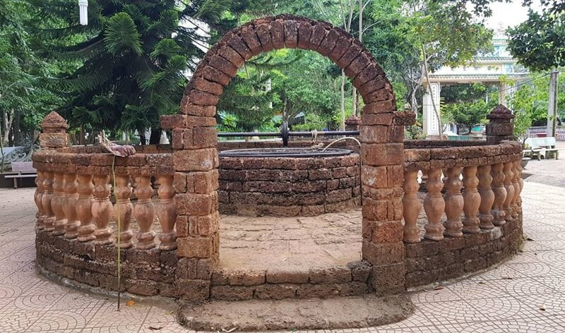 The Ancient Well in Thien An Temple