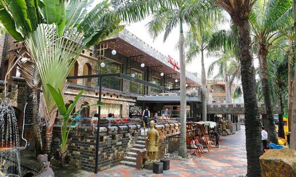7 Wonders Café and Restaurant
