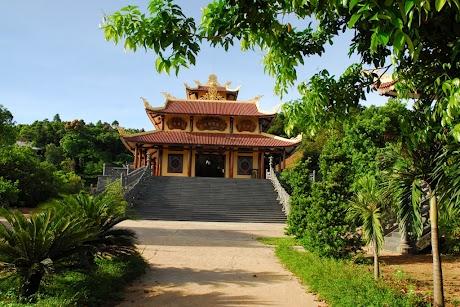 Truc Lam Bach Ma Monastery