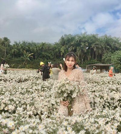ha lung flower village