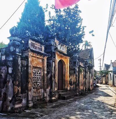 Cuu Village