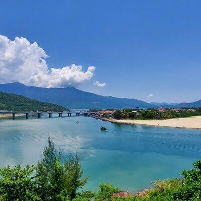 lang co fishing village