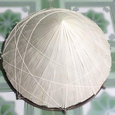 making vietnamese hat